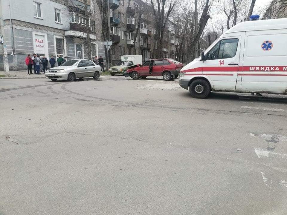 В Каменском на Сачко случилось жесткое ДТП: есть пострадавшие , фото-3