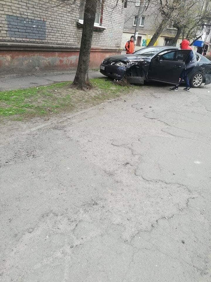 В Каменском на Сачко случилось жесткое ДТП: есть пострадавшие , фото-4