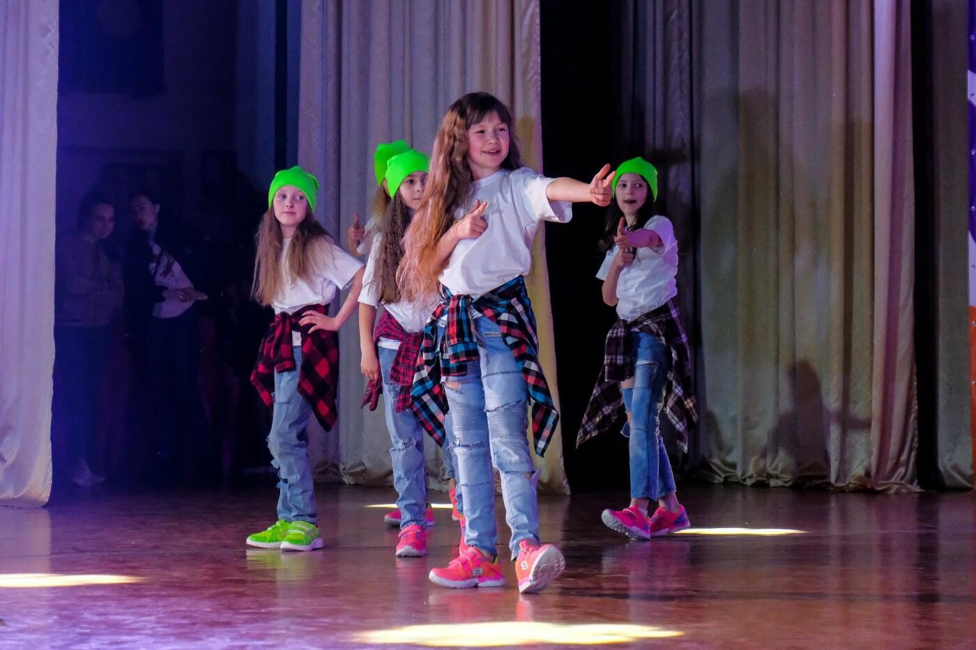 На пути к мечте: юные таланты «зажгли» сцену талант-фестиваля «Z_ефир» в Каменском, фото-15
