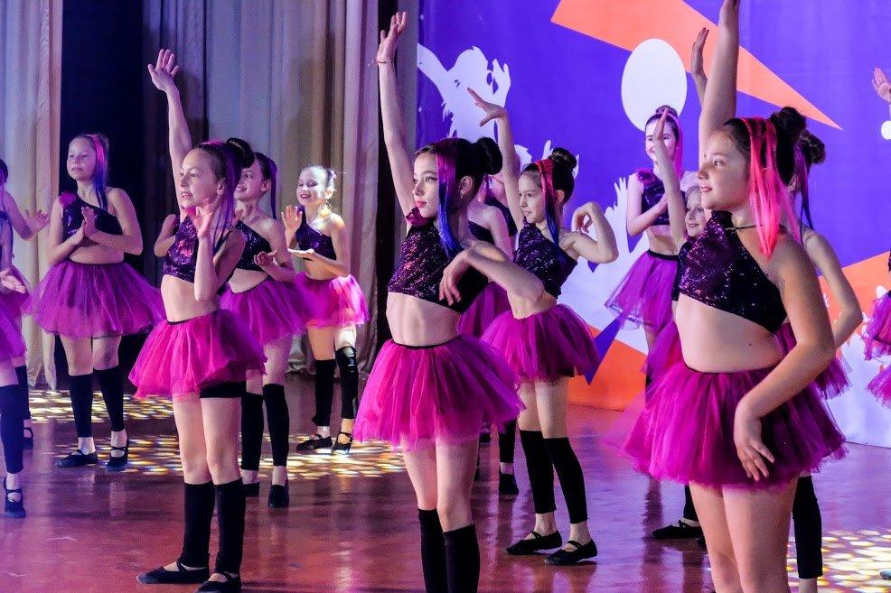 На пути к мечте: юные таланты «зажгли» сцену талант-фестиваля «Z_ефир» в Каменском, фото-20