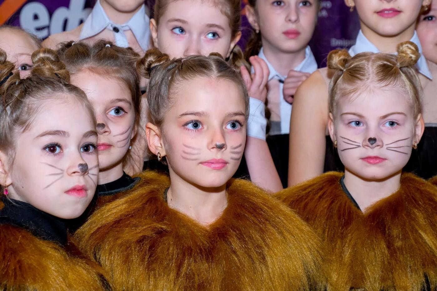 На пути к мечте: юные таланты «зажгли» сцену талант-фестиваля «Z_ефир» в Каменском, фото-7