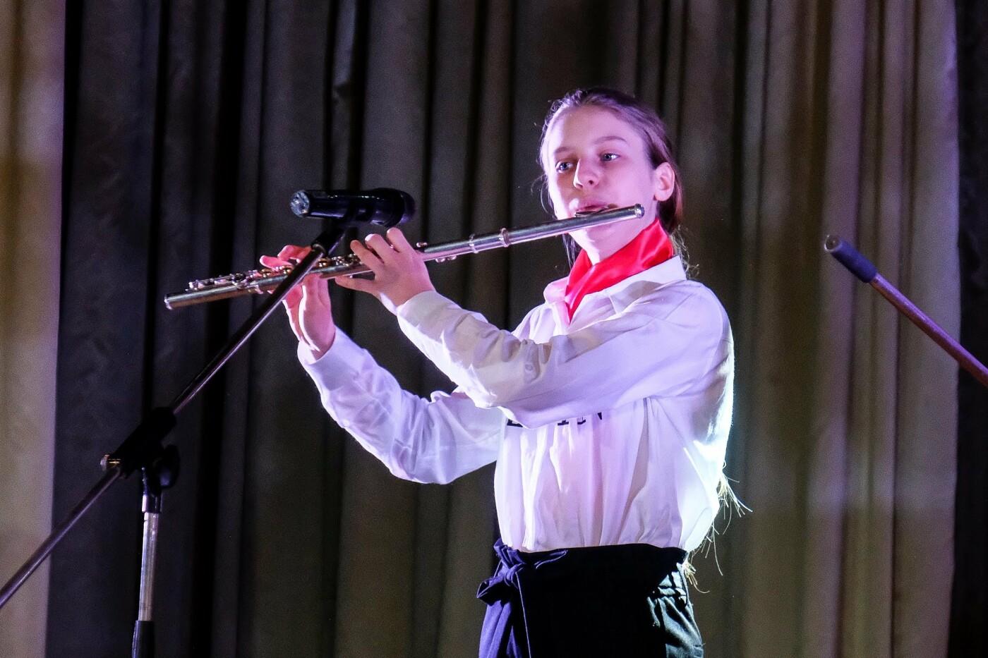 На пути к мечте: юные таланты «зажгли» сцену талант-фестиваля «Z_ефир» в Каменском, фото-2
