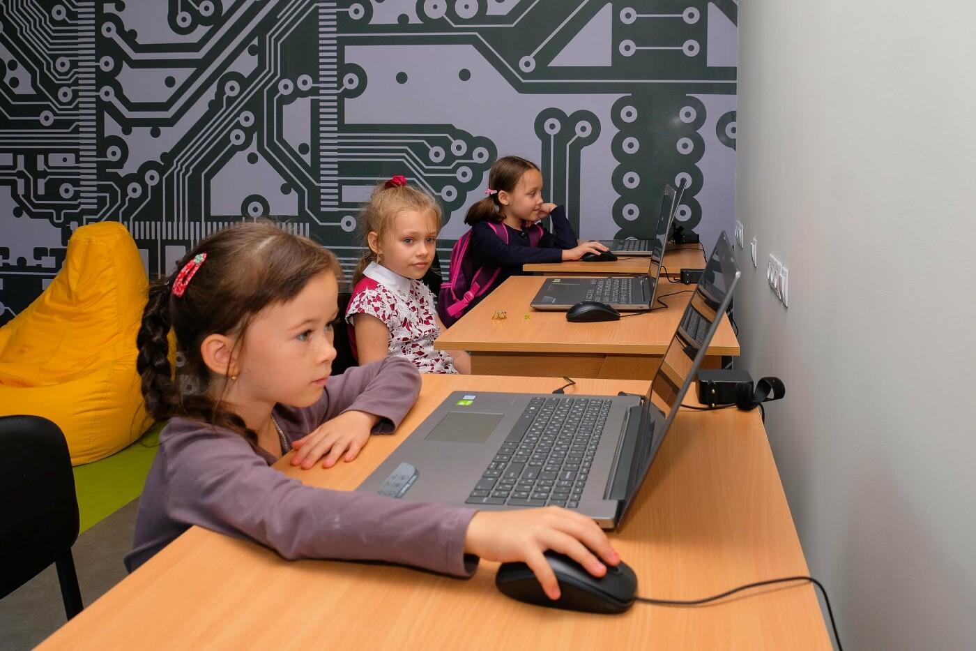 Обучение – бесплатно: в Каменском воспитывают компьютерных гениев, фото-3