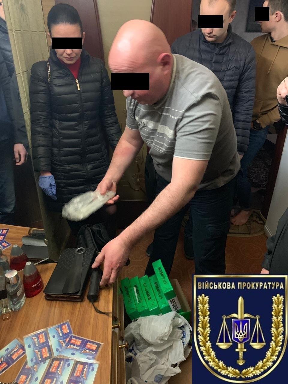 В Каменском на взятке попался заместитель военкома, фото-1