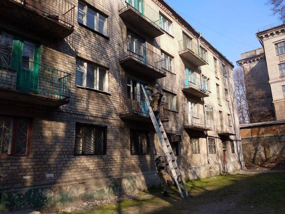 В Каменском горело общежитие: шесть человек эвакуировали , фото-1