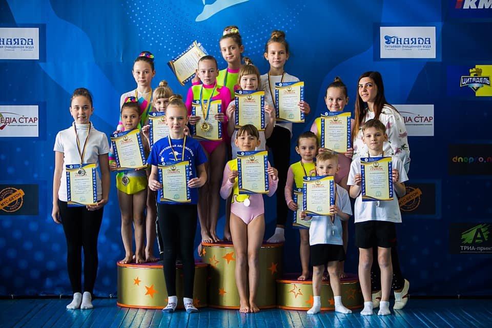 В Каменском прошел чемпионат города по спортивной акробатике, фото-2