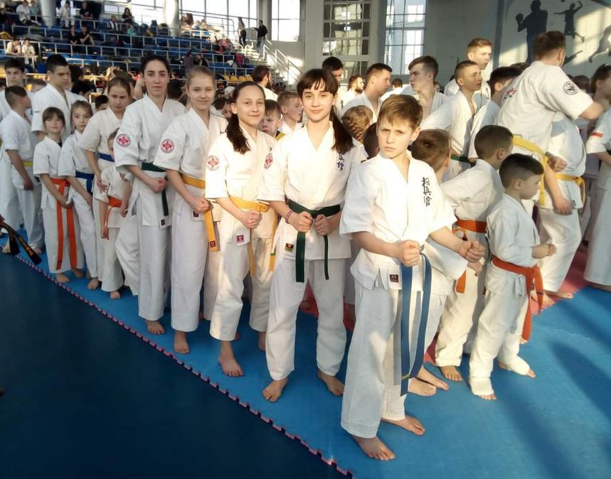 Каменские каратисты привезли 5 наград с международного турнира, фото-3