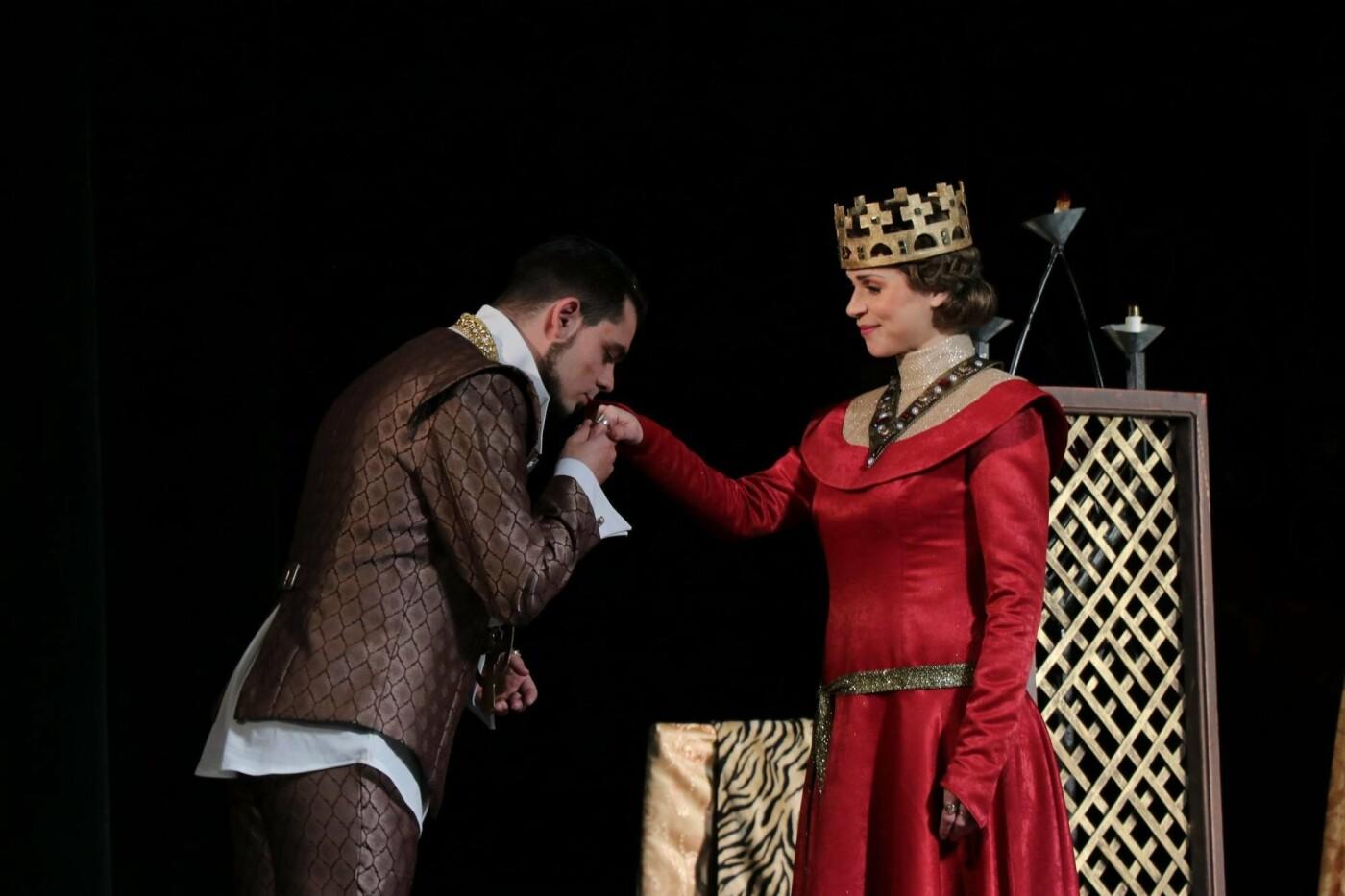В Каменском театре показали историю любви и ненависти длиною в жизнь, фото-3