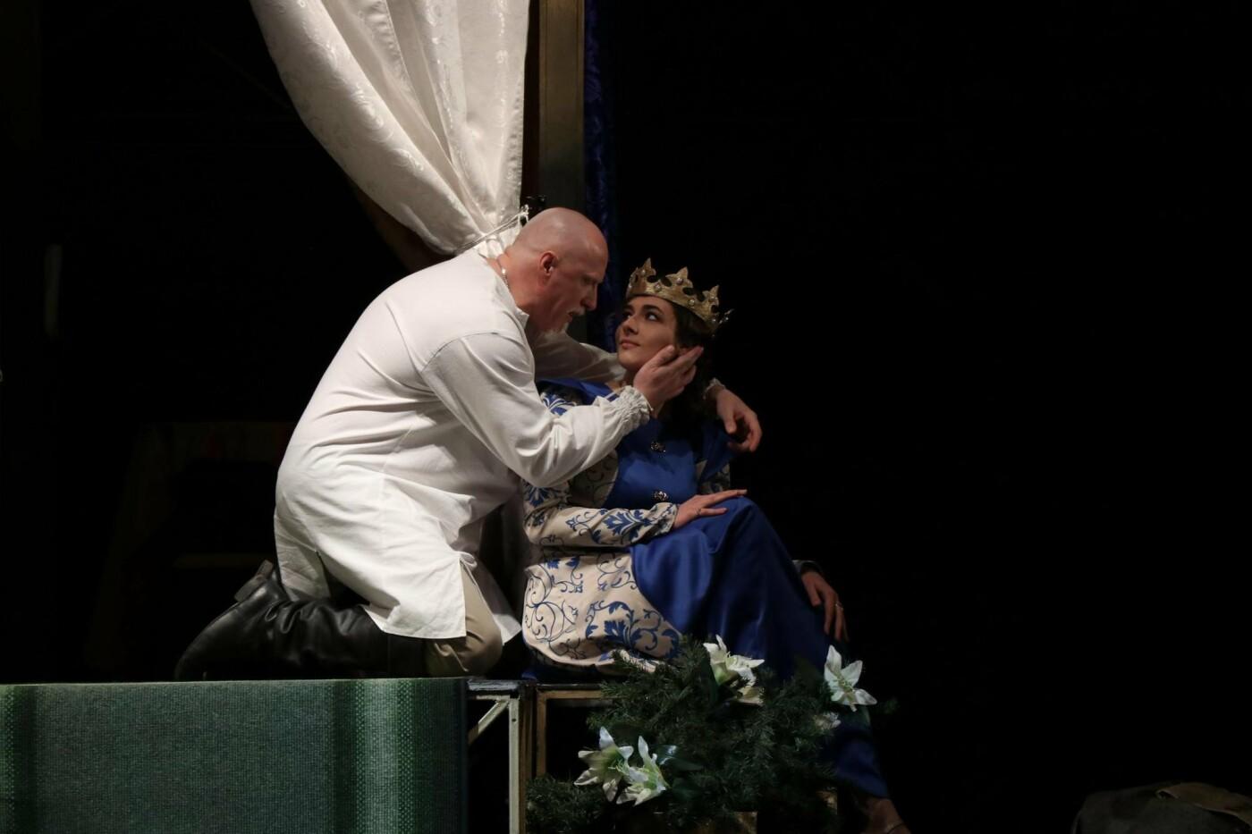 В Каменском театре показали историю любви и ненависти длиною в жизнь, фото-2