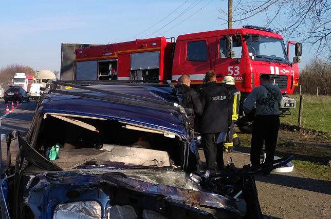 Под Каменским столкнулись три автомобиля: есть пострадавшие, фото-3