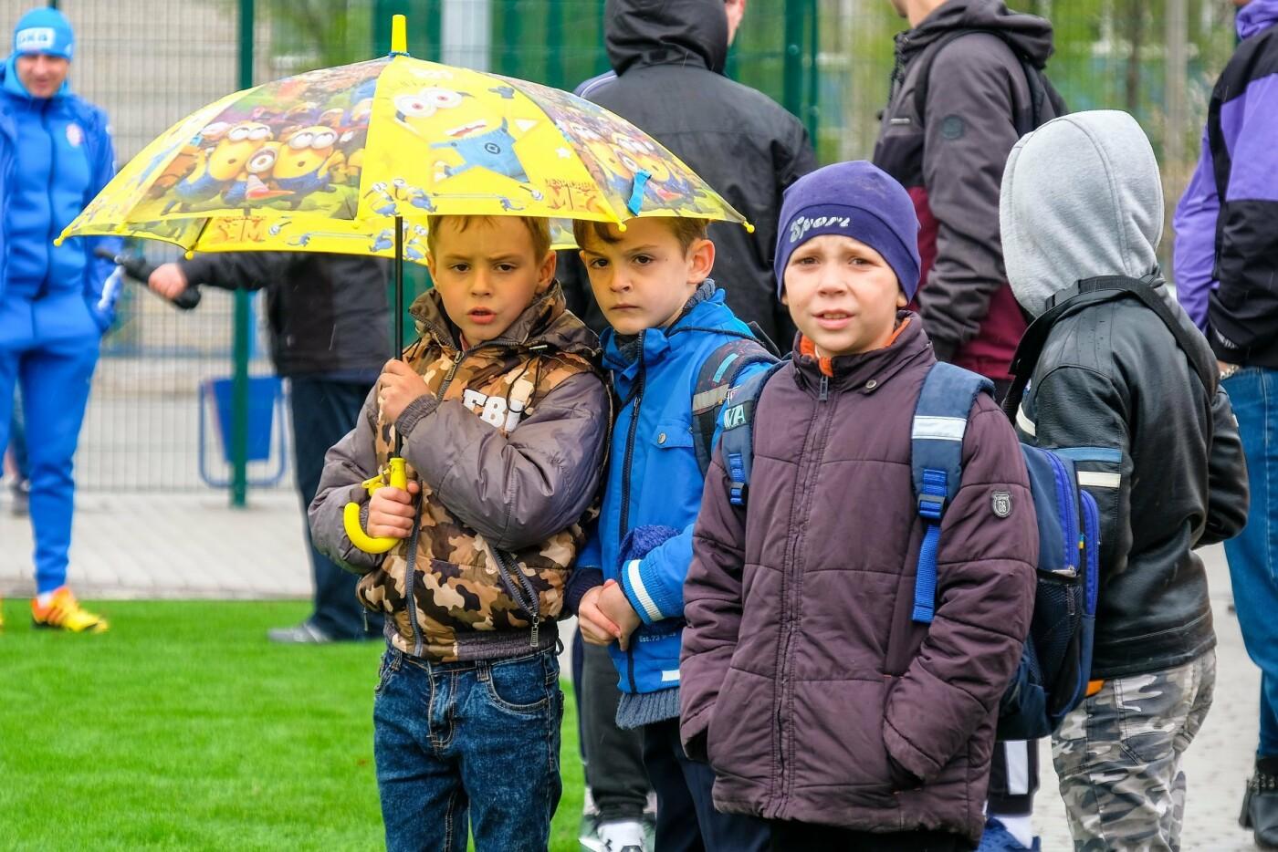 Новый стадион в Каменском открыли матчем со звездами украинского футбола, фото-20