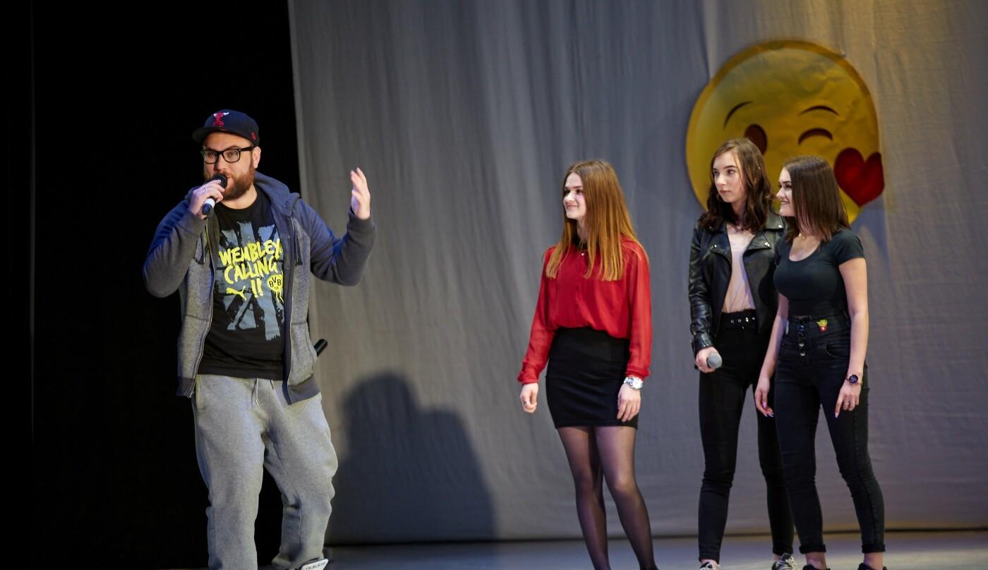 Шутки, смех и море позитива: в Каменском прошел гала-концерт фестиваля «Точка прикола», фото-4