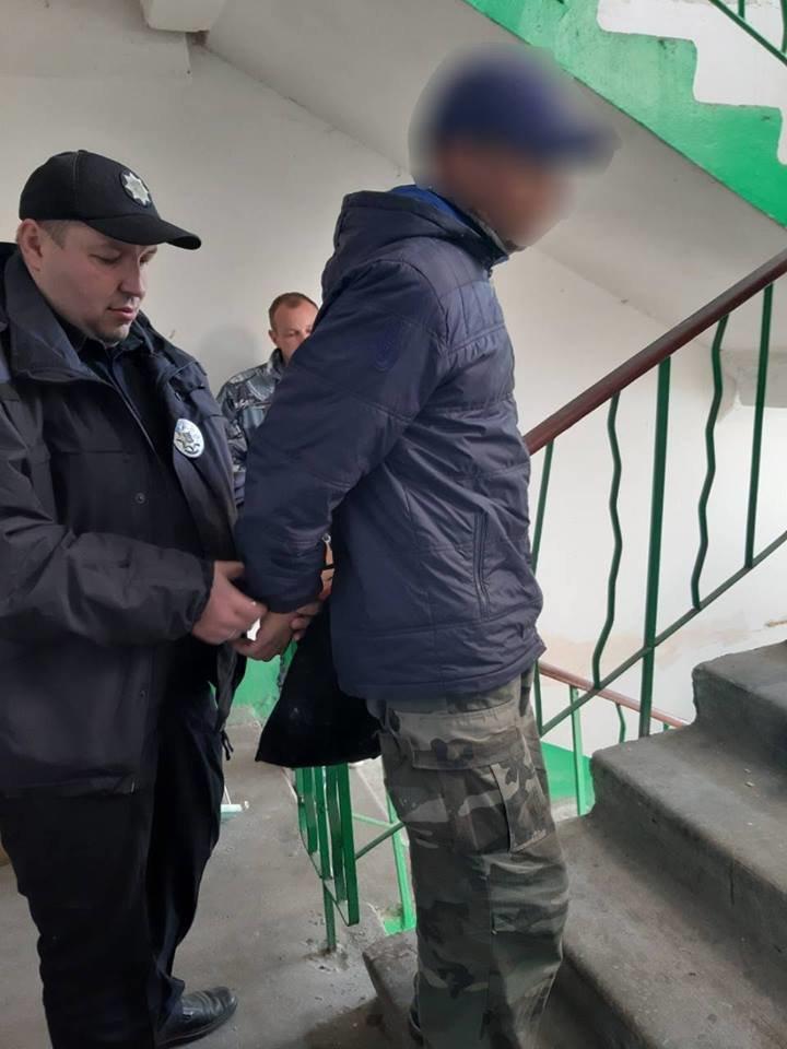 В Каменском мужчина проник в кладовую на 10-м этаже, чтобы украсть электростанок , фото-3