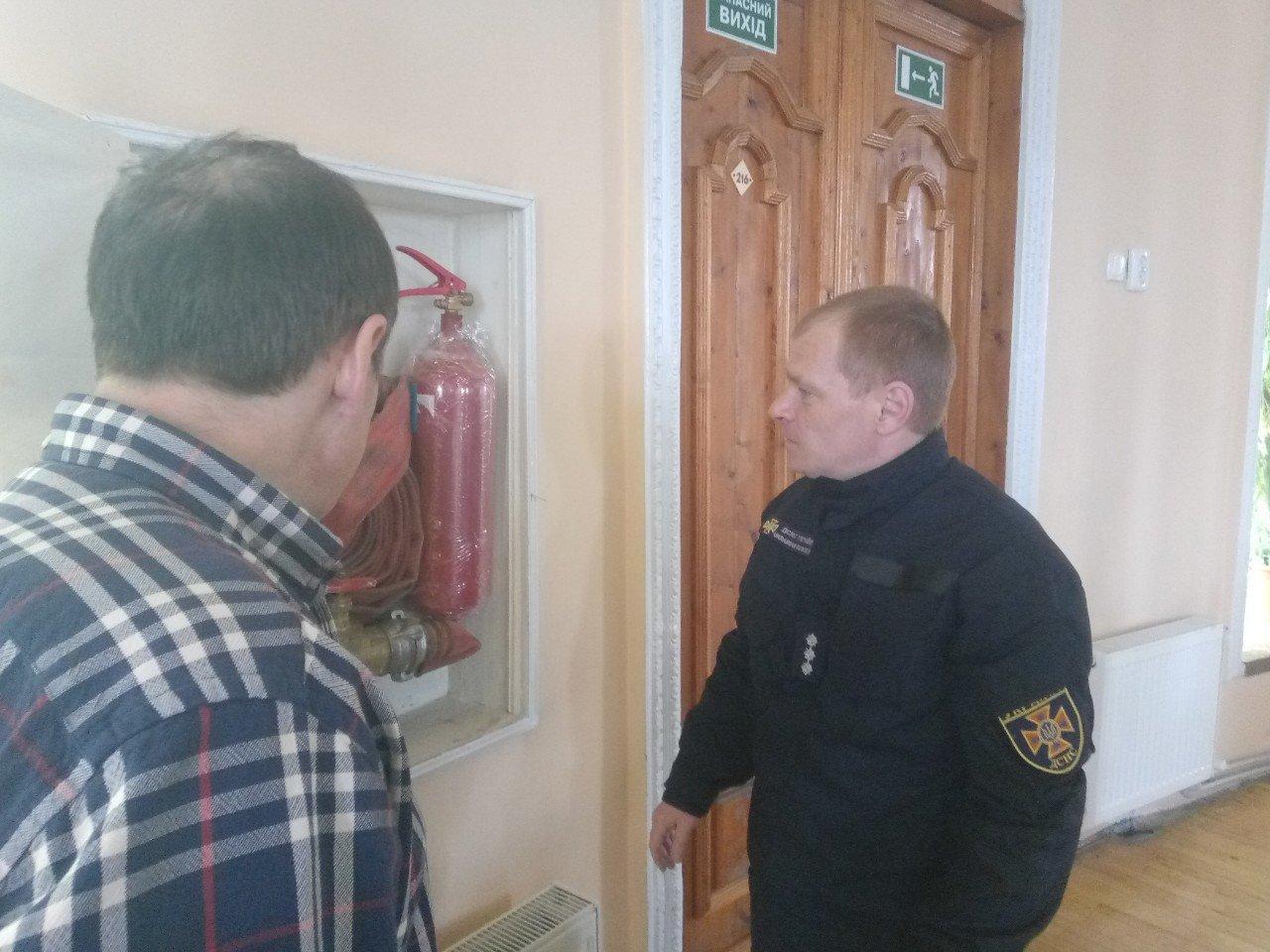 Спасатели Каменского проверили храмы и пообщались со священнослужителями, фото-5