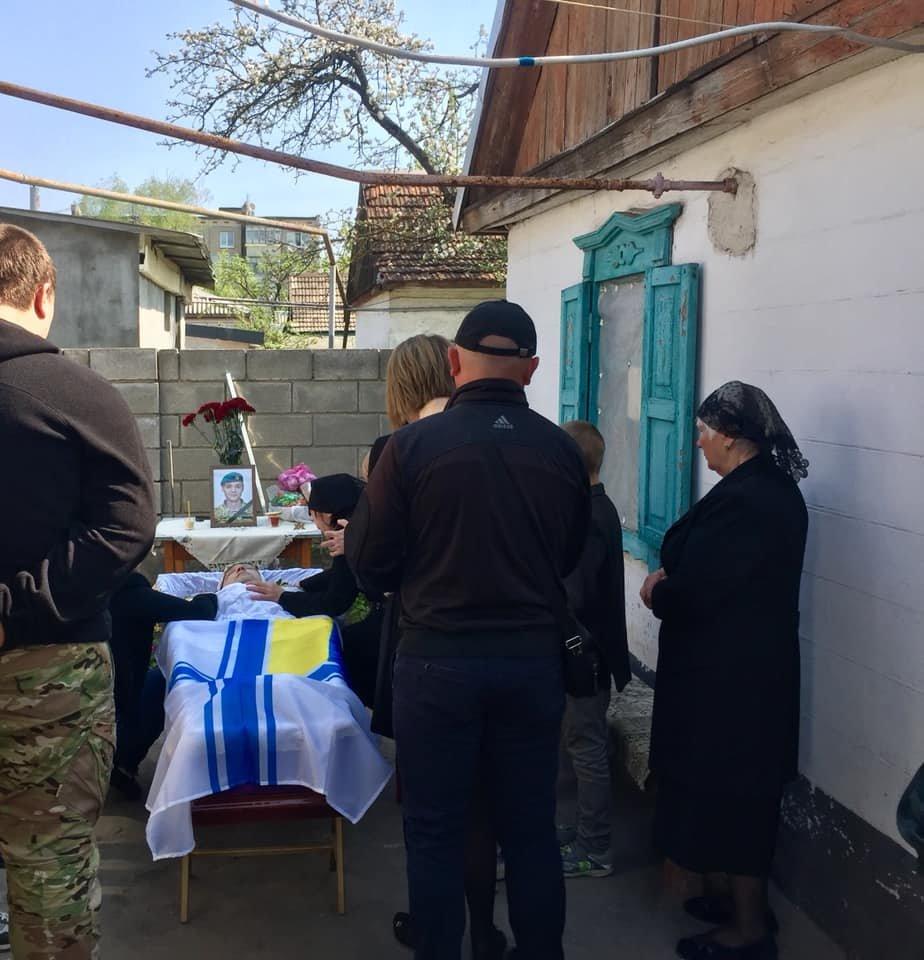 В Каменском попрощались с погибшим на Донбассе воином, фото-9