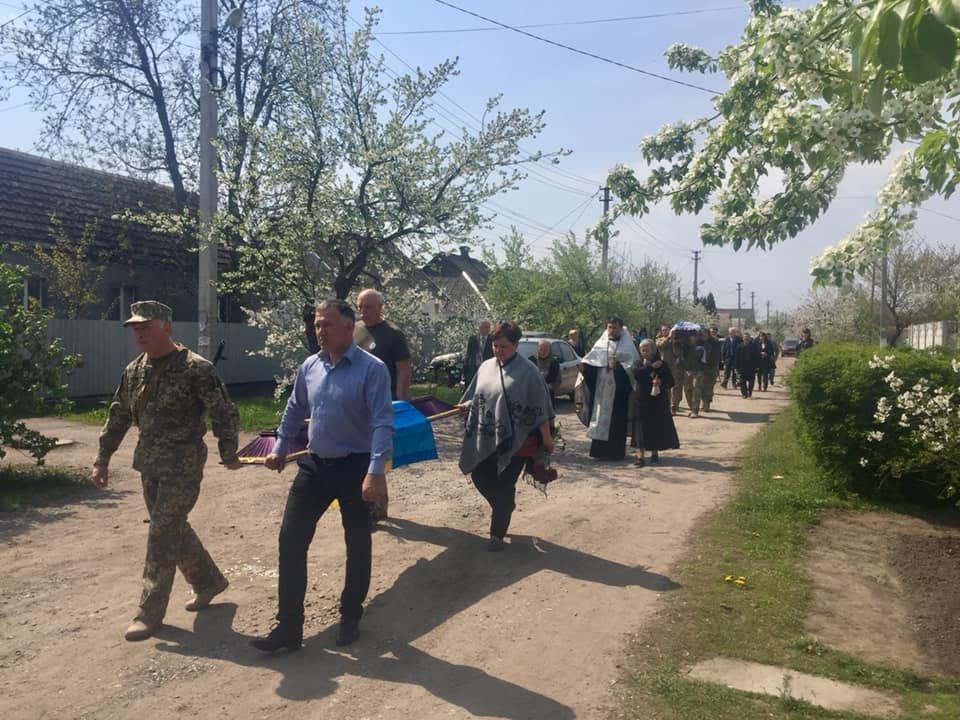 В Каменском попрощались с погибшим на Донбассе воином, фото-15
