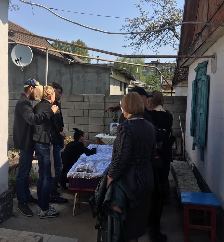 В Каменском попрощались с погибшим на Донбассе воином, фото-11