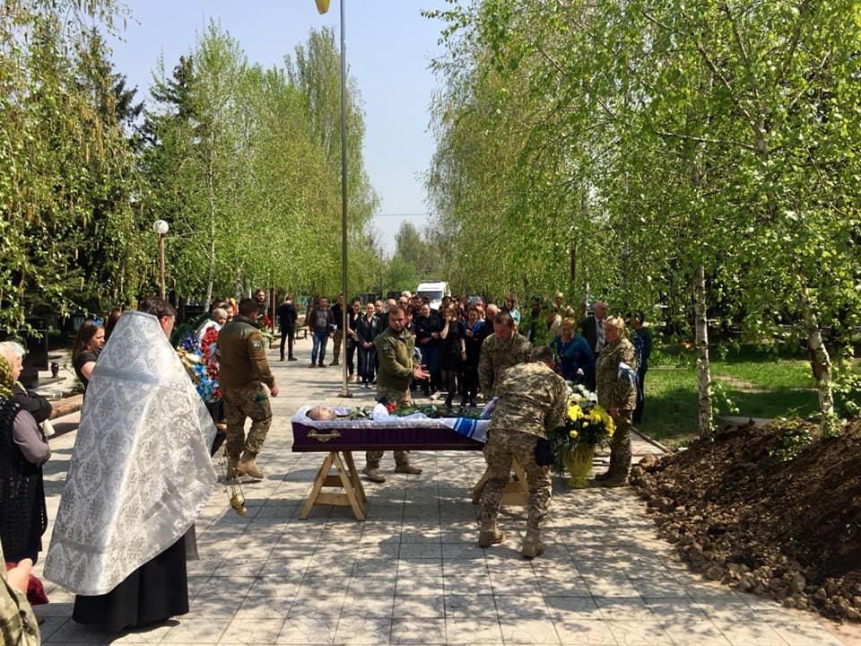 В Каменском попрощались с погибшим на Донбассе воином, фото-10