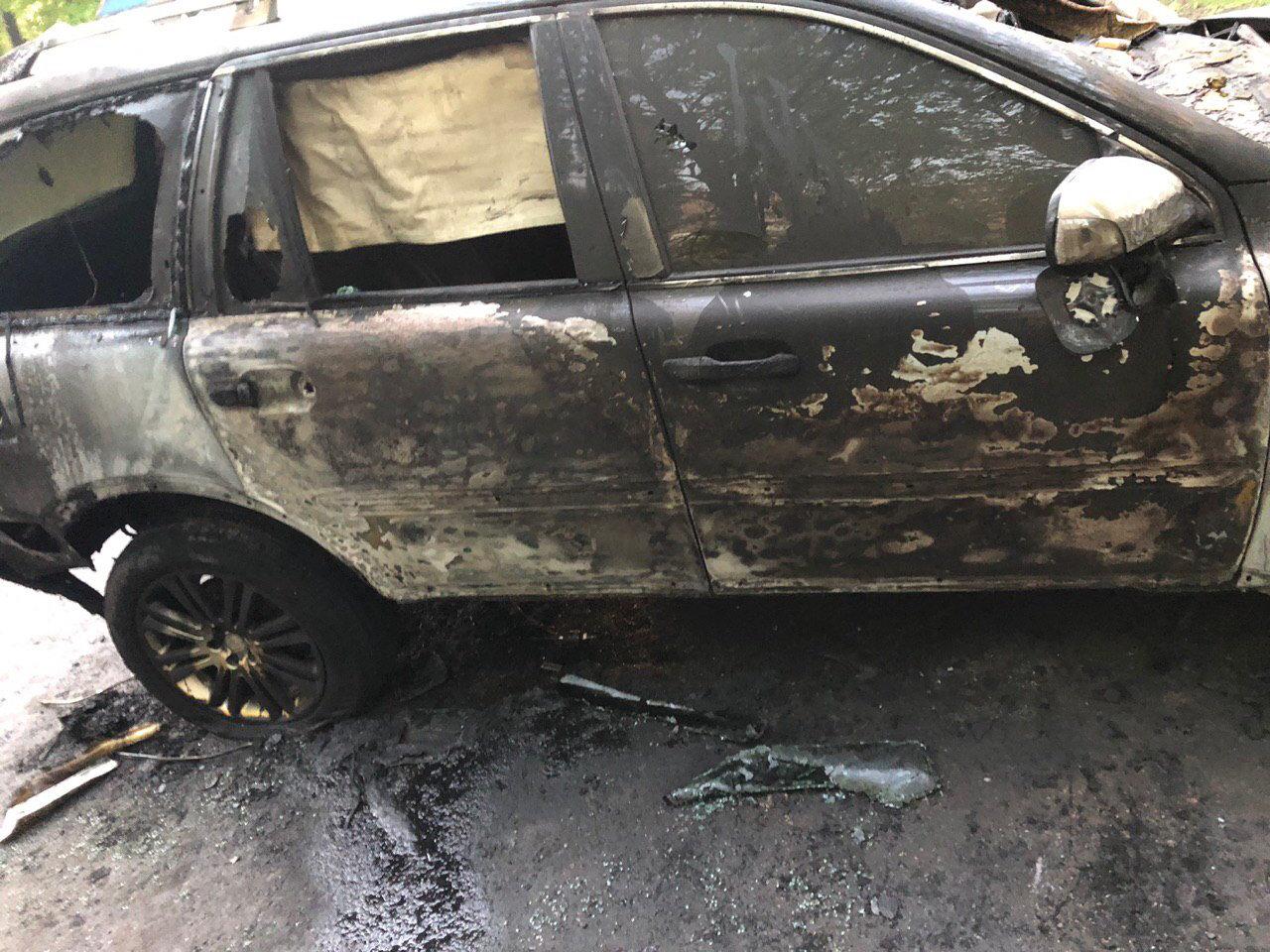 В Днепре неизвестные сожгли автомобиль журналиста , фото-1