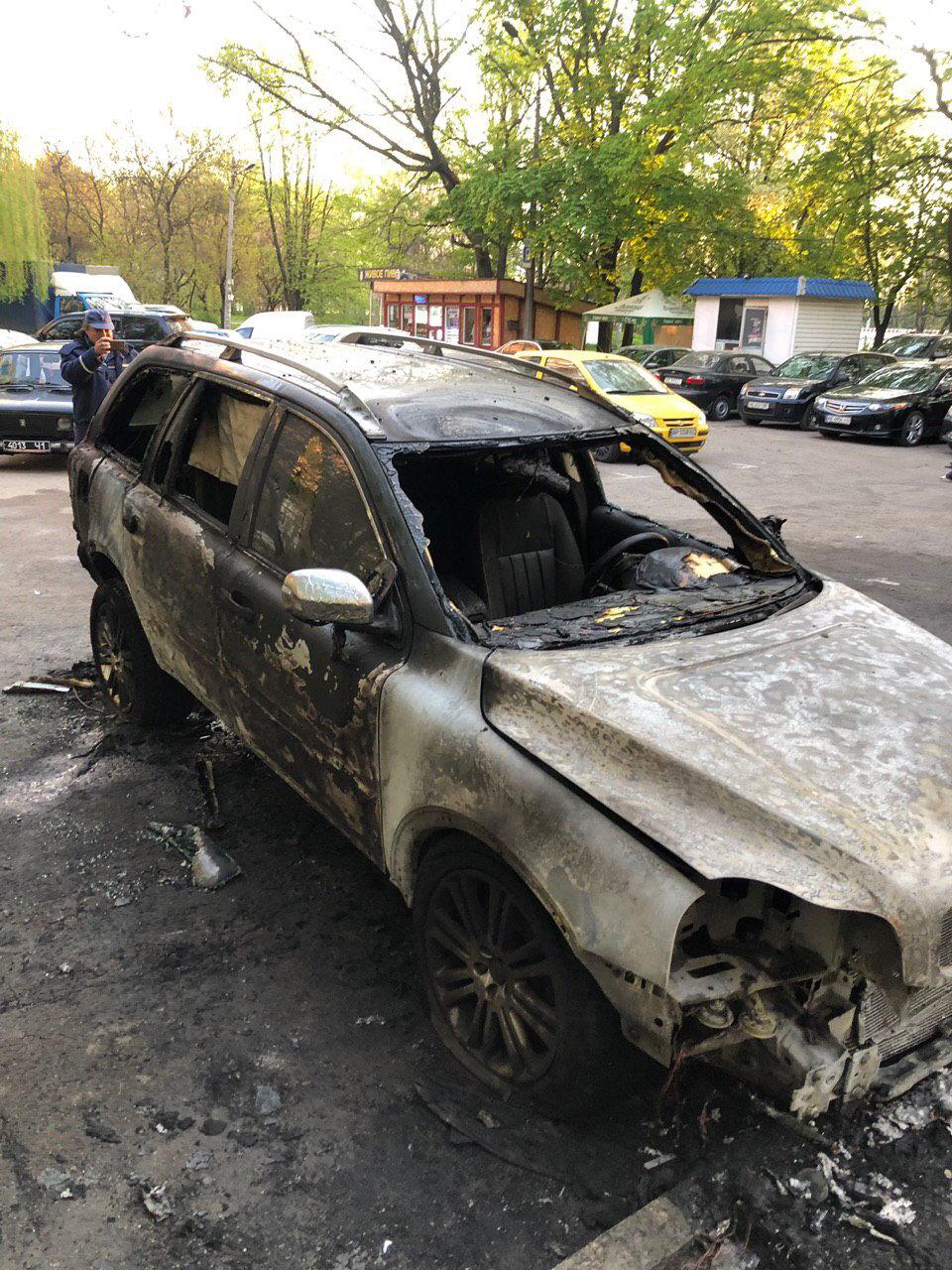 В Днепре неизвестные сожгли автомобиль журналиста , фото-3