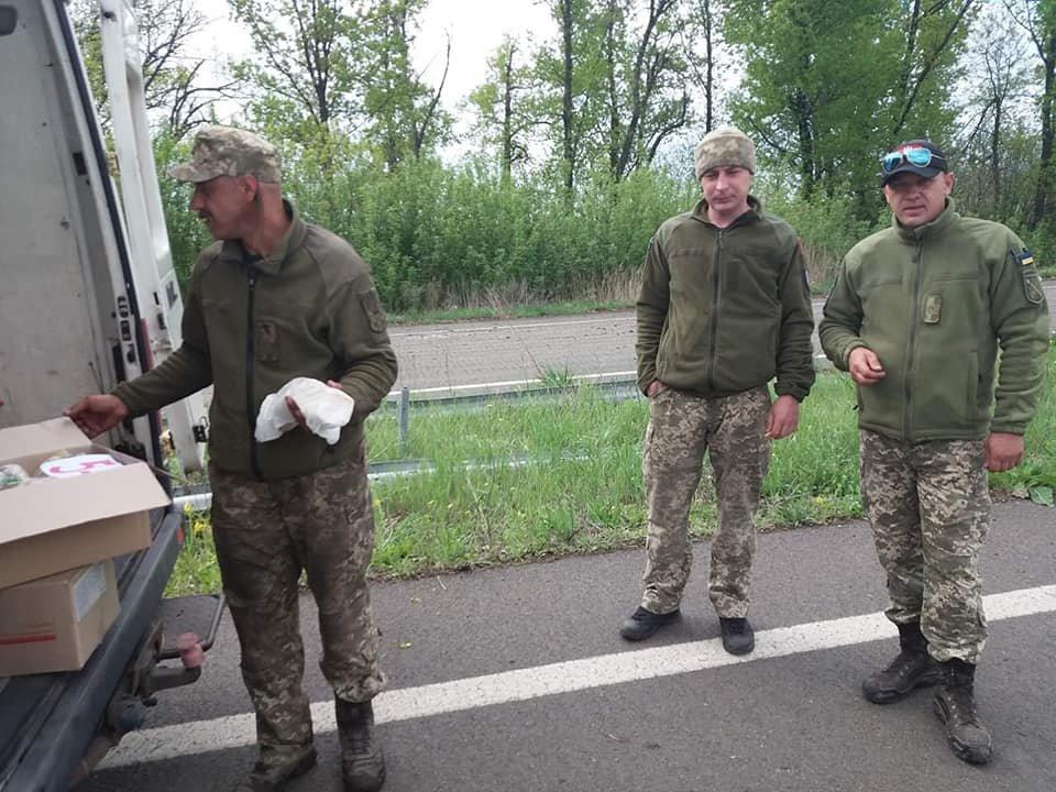 «Паску солдату»: каменчане передали военным сладости и поздравления от школьников, фото-10
