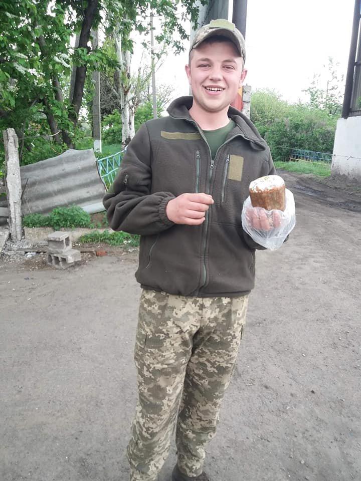 «Паску солдату»: каменчане передали военным сладости и поздравления от школьников, фото-3