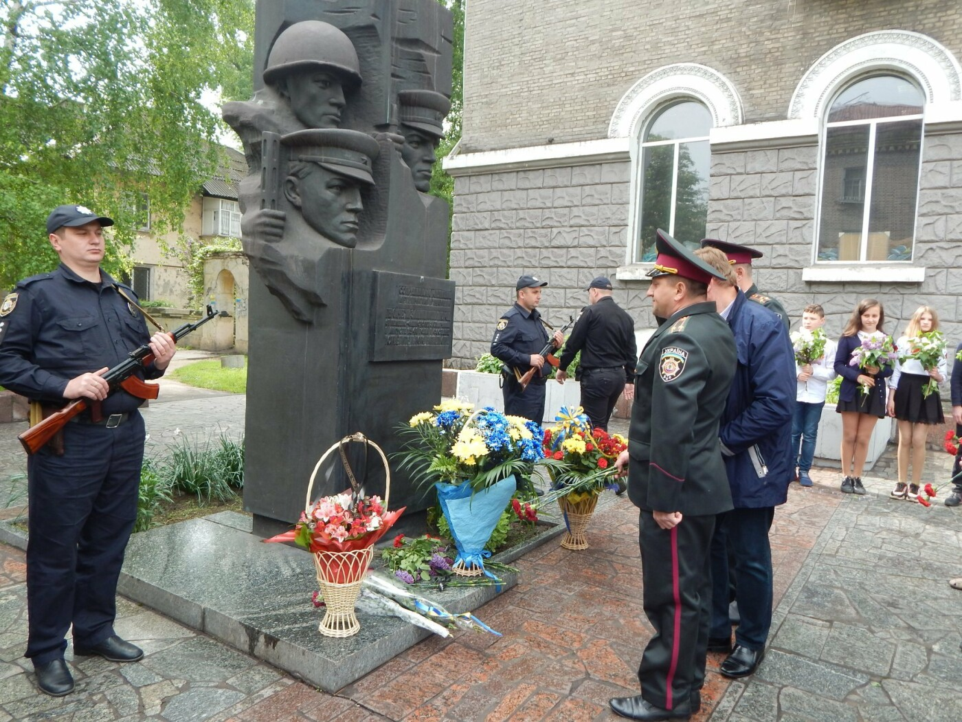 Полицейские Каменского почтили память погибших коллег, фото-4