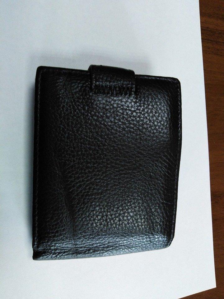 Вырвала кошелек и убежала: в Каменском у банкомата ограбили мужчину, фото-1
