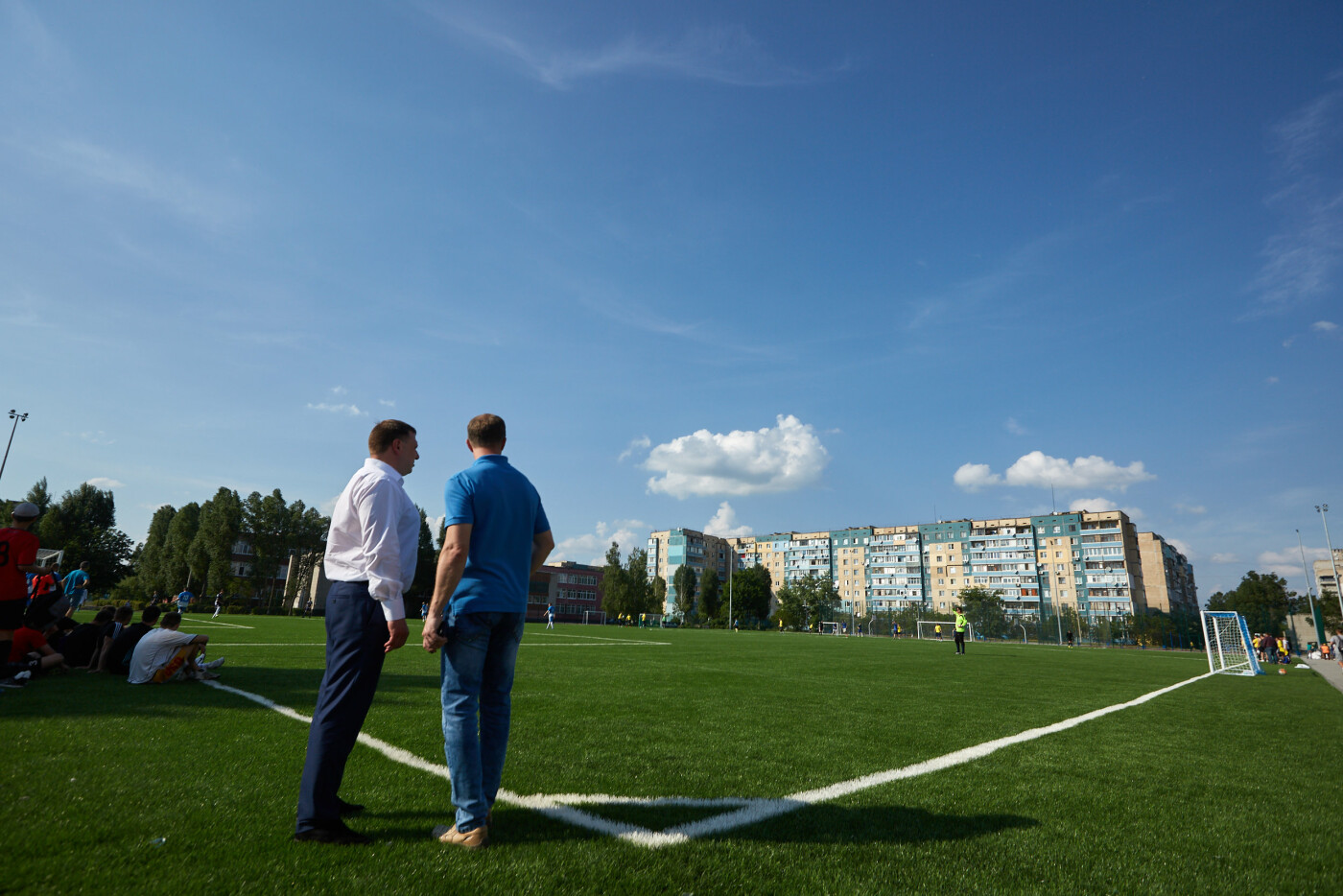 Футболисты Каменского открыли сезон на новом стадионе, фото-2