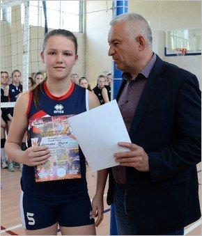 Женская волейбольная команда из Каменского стала призером чемпионата области, фото-4