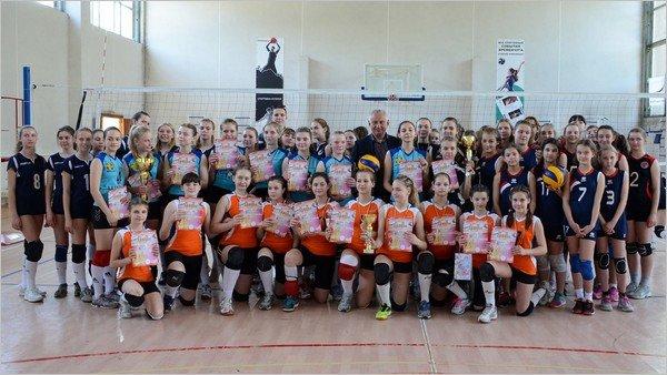 Женская волейбольная команда из Каменского стала призером чемпионата области, фото-6
