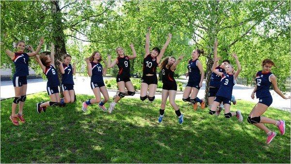 Женская волейбольная команда из Каменского стала призером чемпионата области, фото-7
