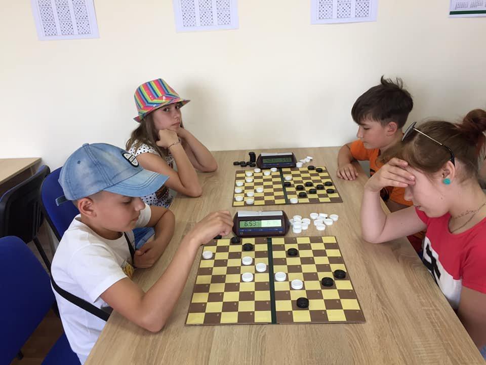 В Каменском парке играли в шашки, фото-2