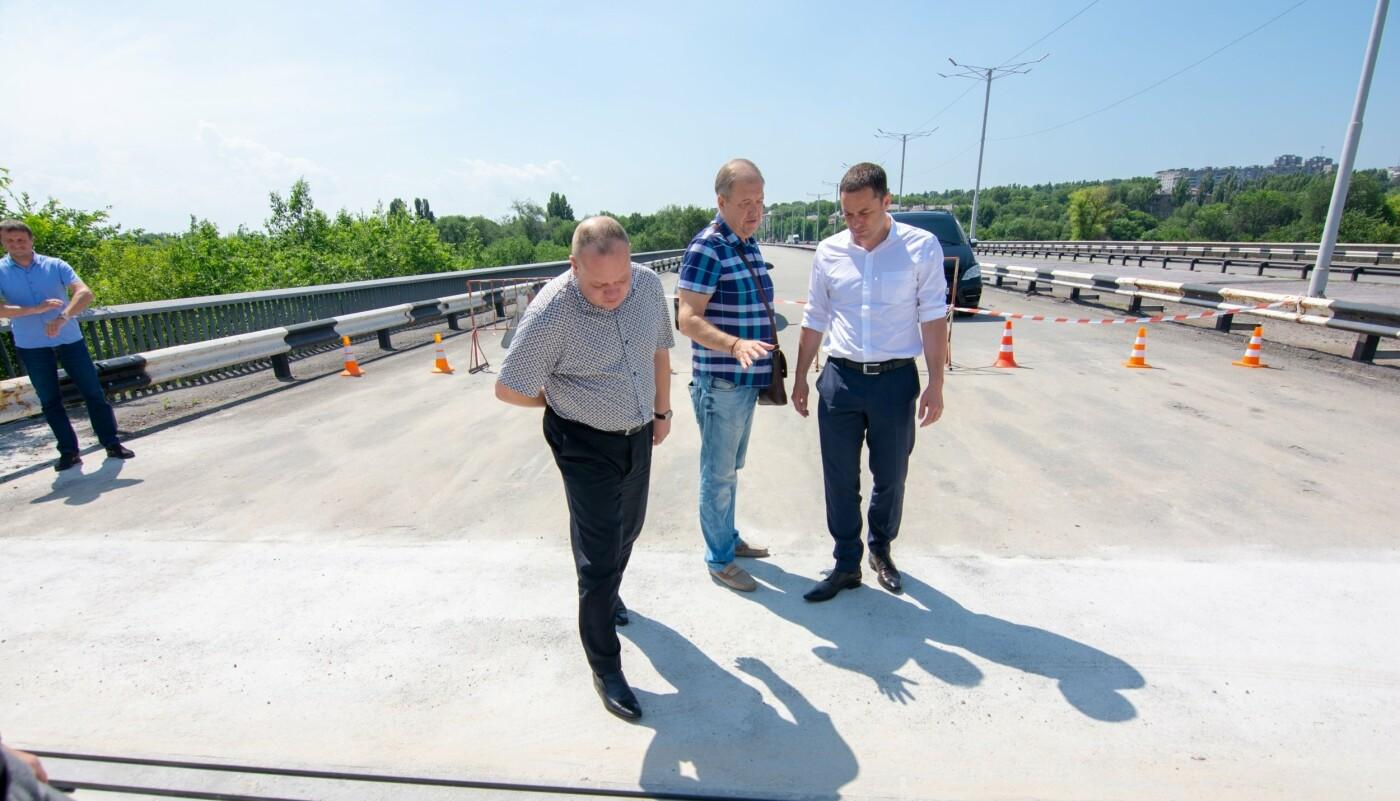В Каменском на мосту завершают капремонт аварийного деформационного шва, фото-2