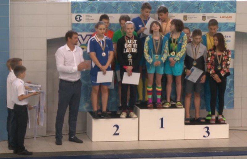 Каменской пловец завоевал 8 медалей чемпионата Украины, фото-1