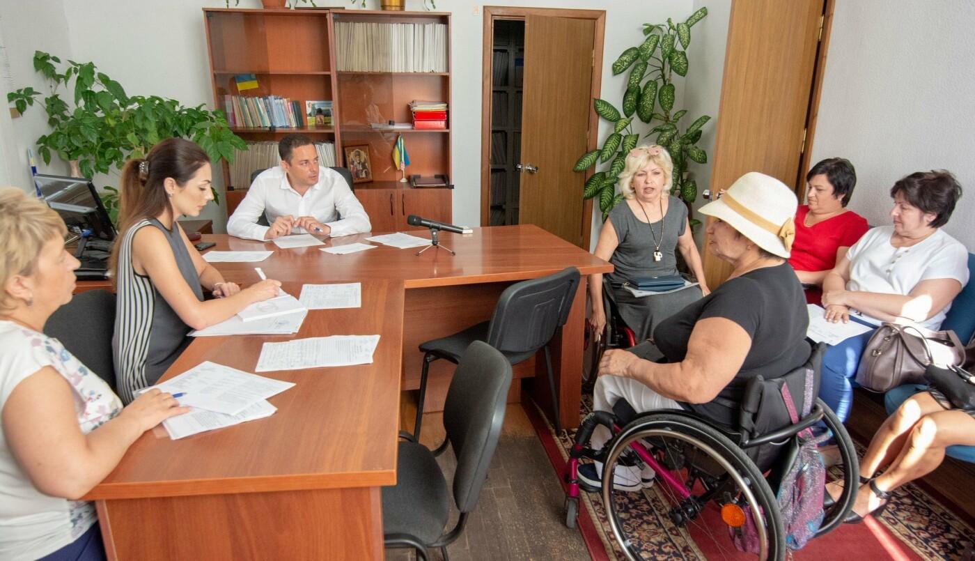 Каменчане пришли к мэру на прием по личным вопросам, фото-1