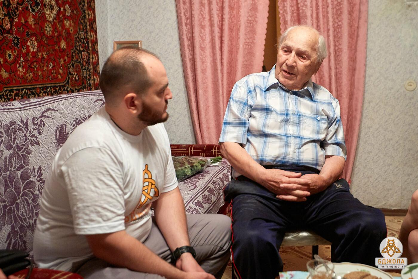 Представители партии «Бджола» поздравили с 96-летием выдающегося врача, фото-1
