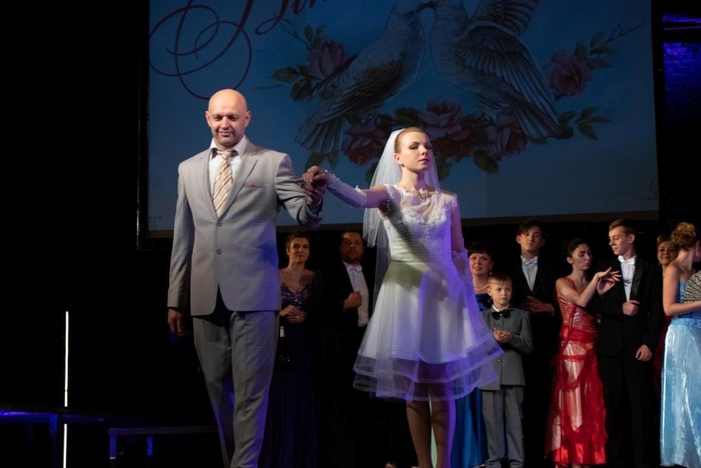 В Каменском театральный сезон закрыли сказкой для взрослых, фото-3