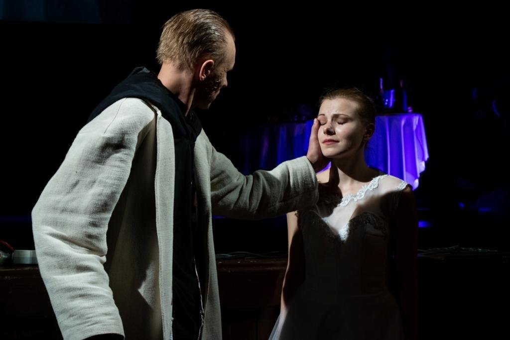 В Каменском театральный сезон закрыли сказкой для взрослых, фото-5