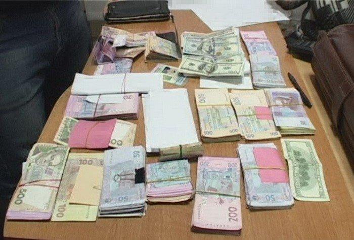 На Днепропетровщине двух таможенников осудили за взятки, фото-1