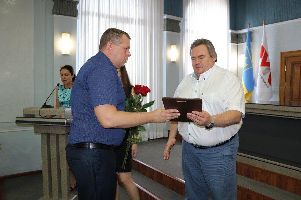 В Каменском на ДМК наградили и премировали металлургов, фото-14