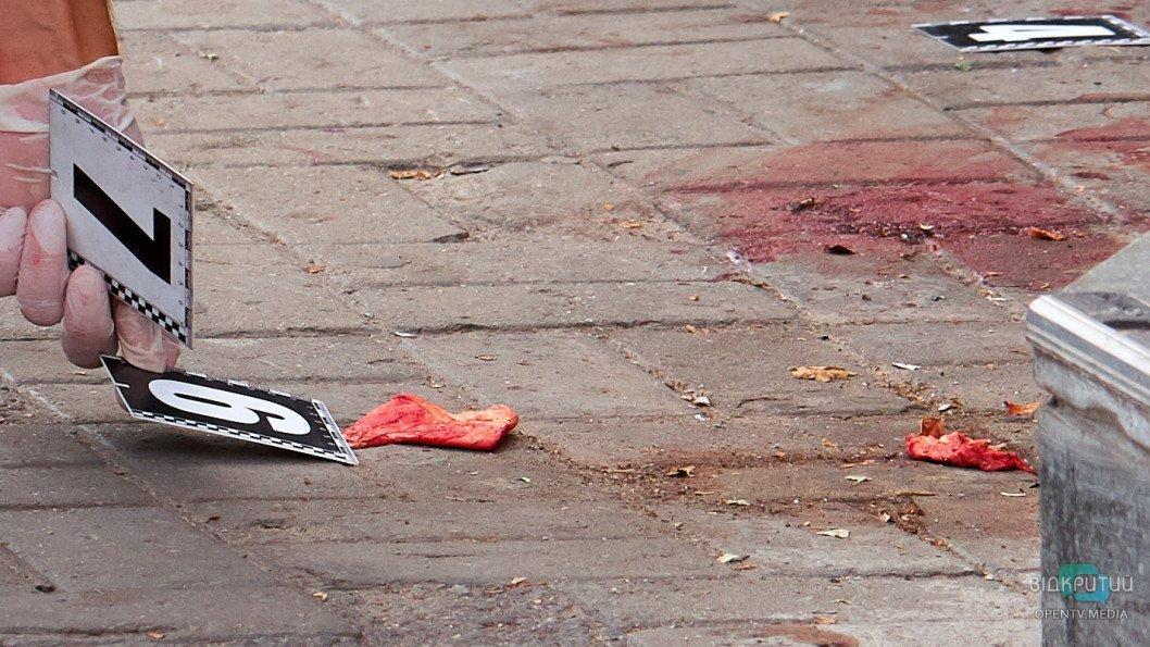 Кровавая бойня в Днепре: из здания «Национальной лотереи» шесть «скорых» госпитализировали пострадавших, фото-1