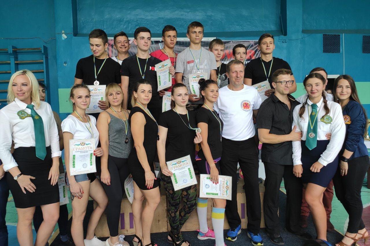 В Каменском прошли соревнования по пауэрлифтингу, фото-13