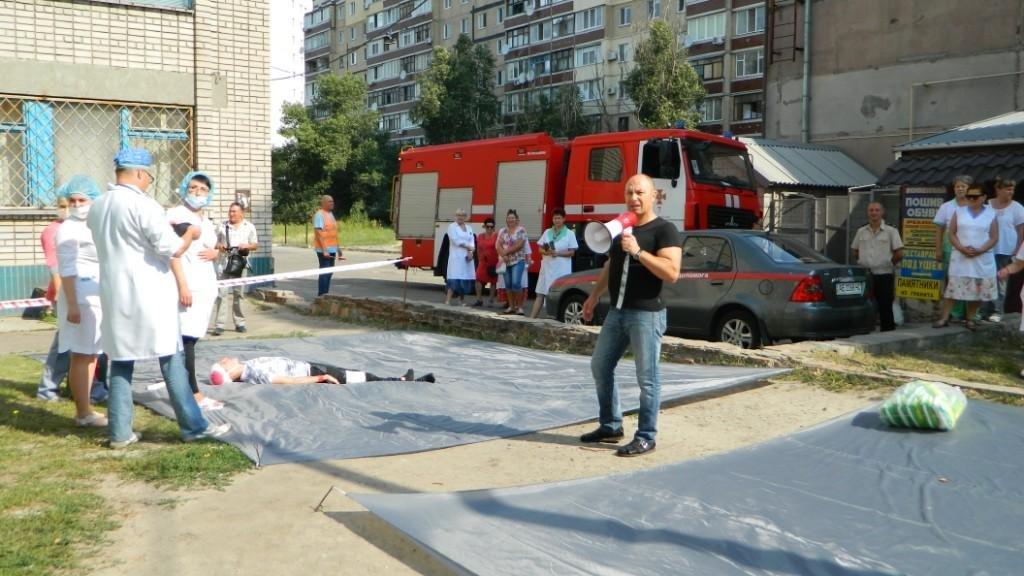 В Каменском спасали «пострадавших» от взрыва газа, фото-4