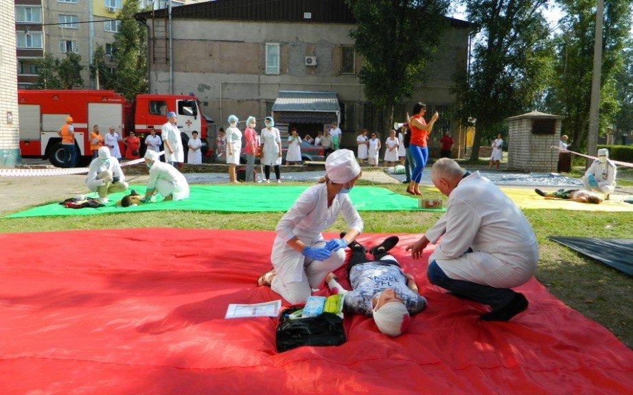 В Каменском спасали «пострадавших» от взрыва газа, фото-5