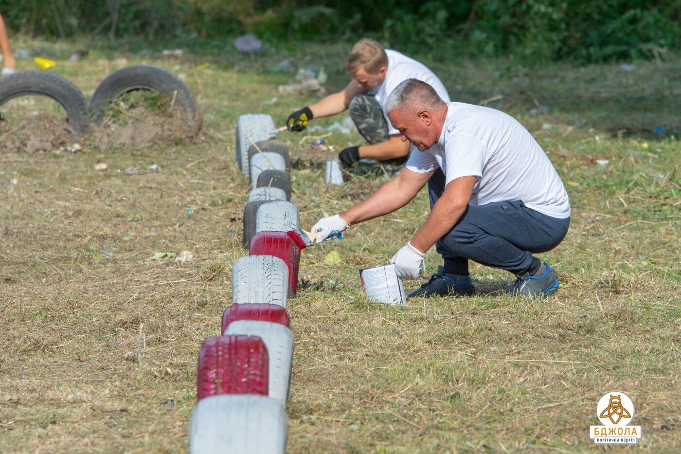 Активисты политической партии «БДЖОЛА» привели в порядок футбольное поле по проспекту Стуса, фото-3