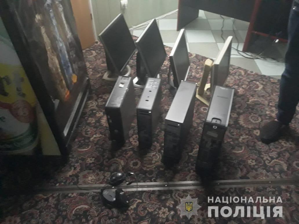 На левобережье Каменского закрыли незаконный игорный зал, фото-2