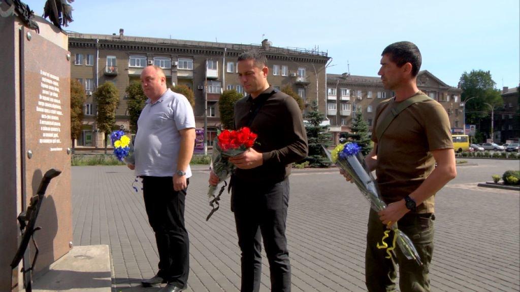 В Каменское приехал побратим погибшего воина, фото-1