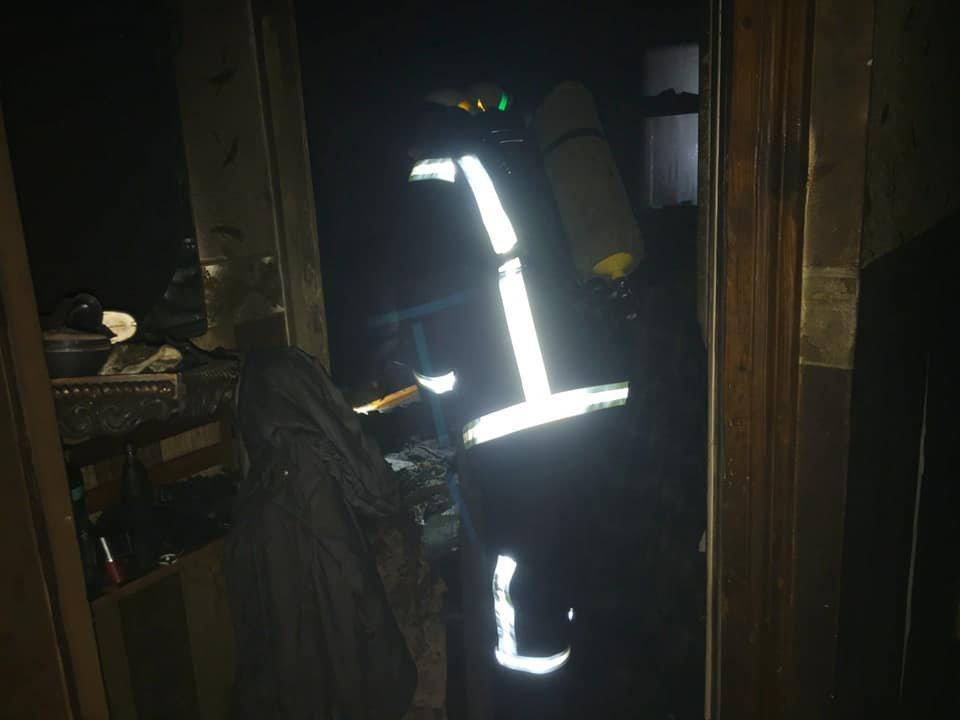 В Южном районе Каменского горела квартира, фото-1
