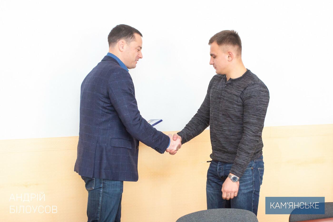 Мэр Каменского поздравил военных, фото-3